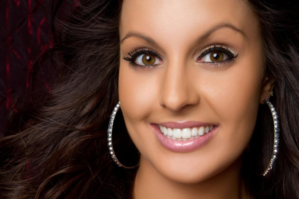 Woman smiling | Dental veneers in Glendale CA